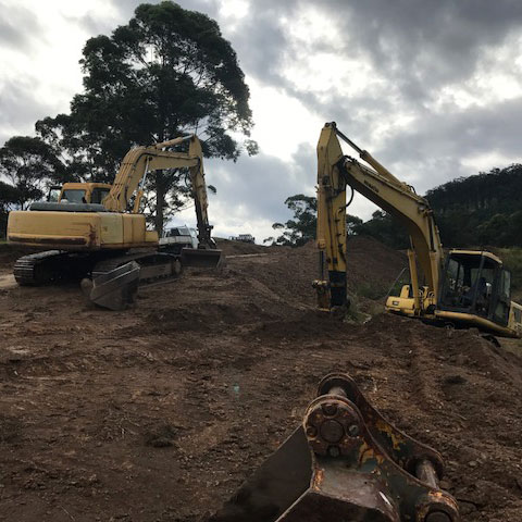 Our-equipment-16-&-22-tonne-excavator-serivces