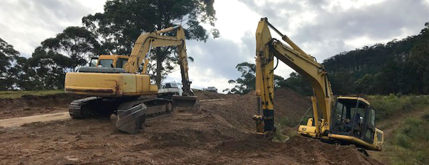 Our-equipment-16-&-22-tonne-excavator